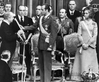 EL REY JUAN CARLOS DECIDE ABDICAR EN SU HIJO, EL PRÍNCIPE DE ASTURIAS